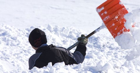 Shoveling Snow: Protecting Your Low Back